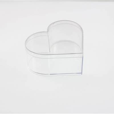 Пластиковая коробка в форме сердца